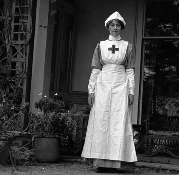 Agatha christie cuando trabajó como enfermera en la Primera Guerra Mundial. Foto: rammuseum.org.uk