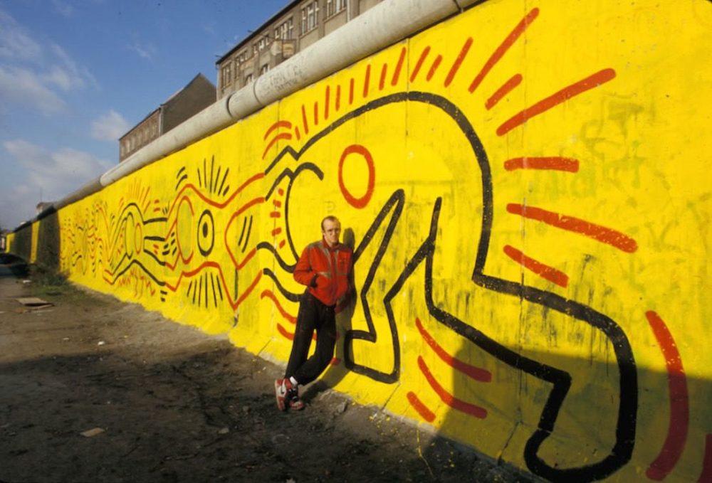 Keith Haring-muurschildering in Berlijn, 1986
