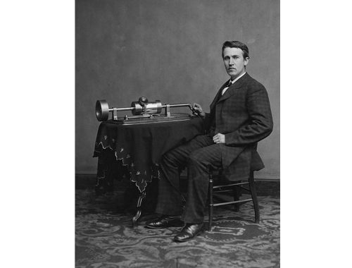 Thomas Alva Edison med fonograf