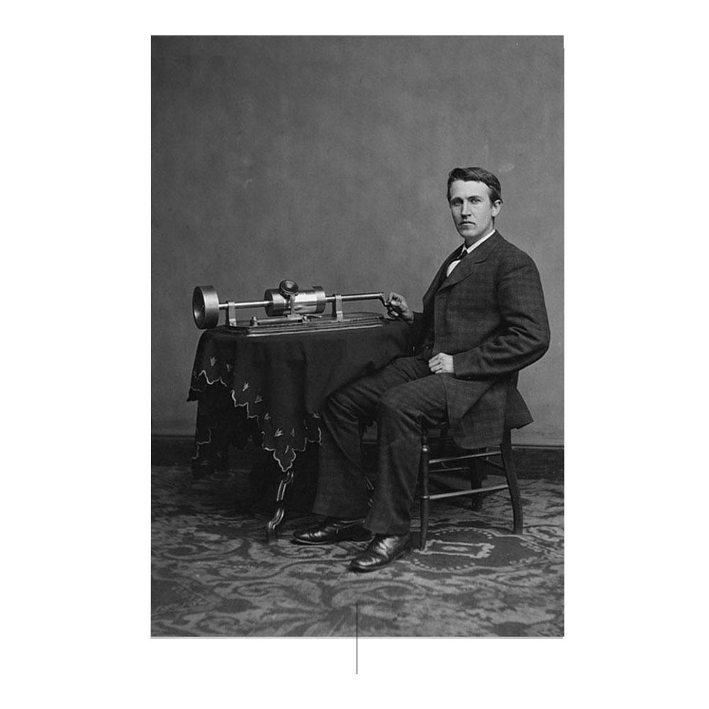 Thomas Alva Edison con fonógrafo
