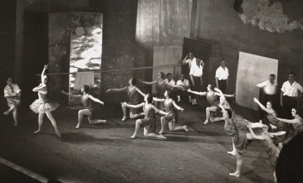 Les Ballets Russes rehearsing with Miró's costumes