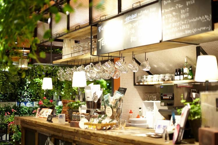 Aoyama Flower Market Tea House. Foto deur: FB @ AFMTEAHOUSE